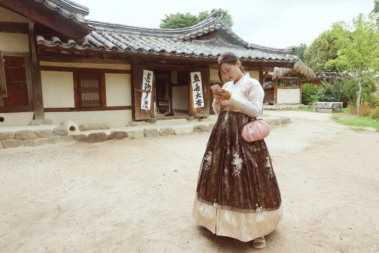 韓國旅遊資訊|旅遊諮詢翻譯熱線1330 到韓國除了帶護照帶錢 這電話給我背起來