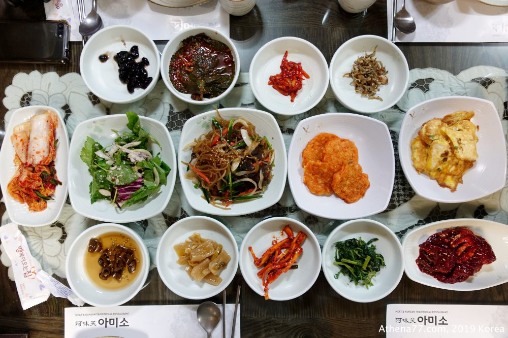 韓國首爾 ▌明洞韓定食:阿味笑아미소 午間套餐 石鍋飯定食 可自製鍋巴湯 小菜有醬蟹