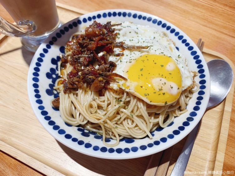 台北食記 ▌古亭站:Love Cafe 不限時工作咖啡廳 食物滿好吃 有氣氛插頭多《IPHONE食記》