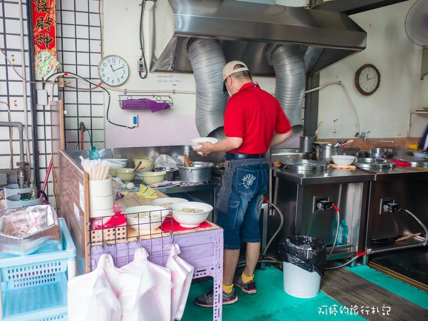  高雄美食 巷子裡隱藏版的美食,晚來就吃不到,無招牌煎炒蛋麵