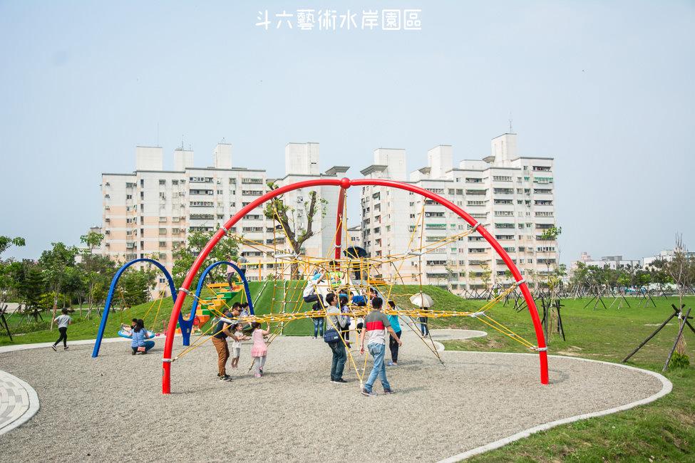  特色公園 斗六藝術水岸園區,有溜滑梯、鞦韆、攀岩網等你來玩