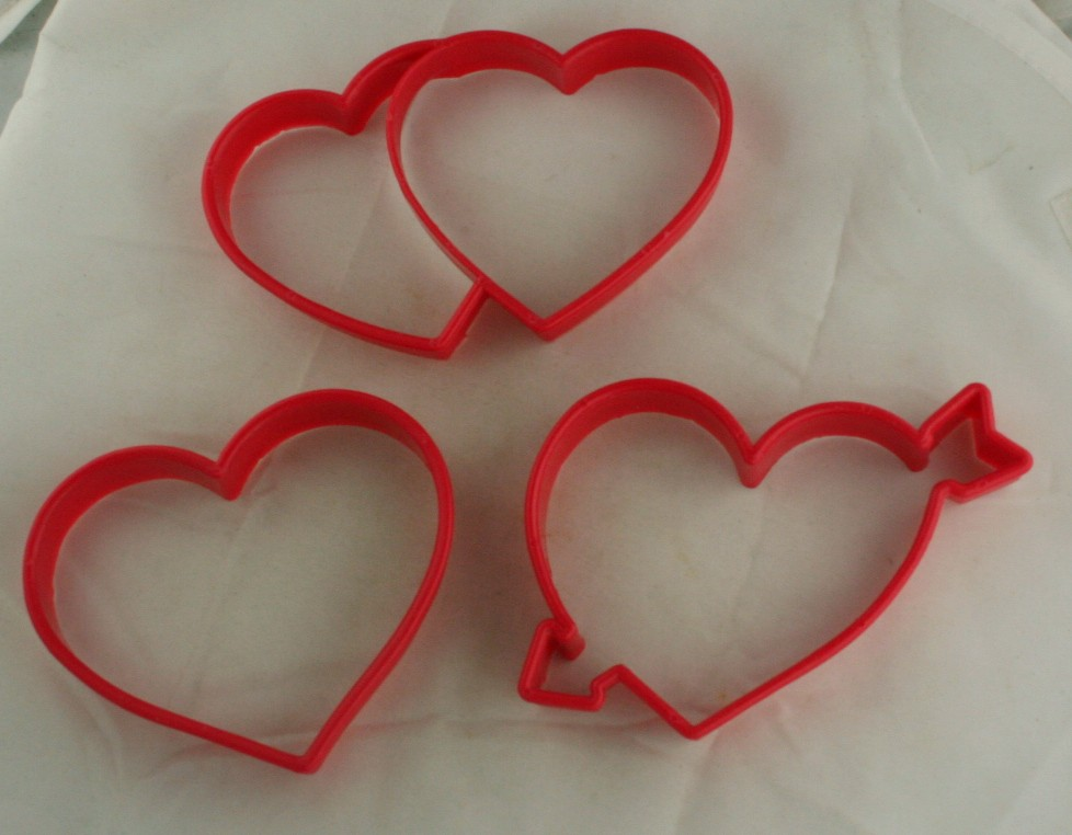 cookie cutter, plastic, hearts,kitchenware