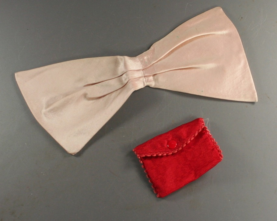 vintage bow, pink, pouch, snap