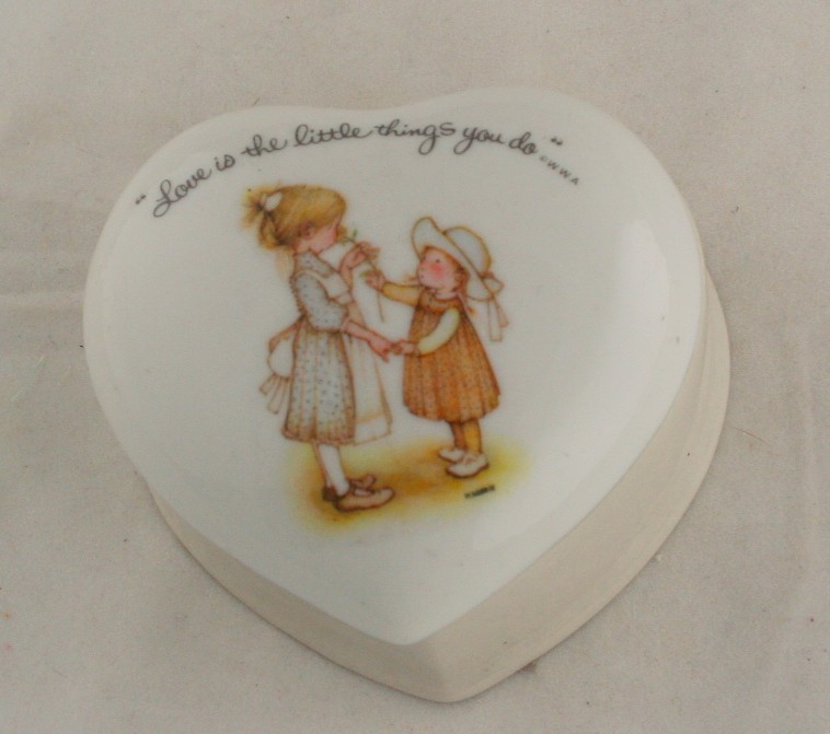 vintage porcelain box, Holly Hobbie, heart