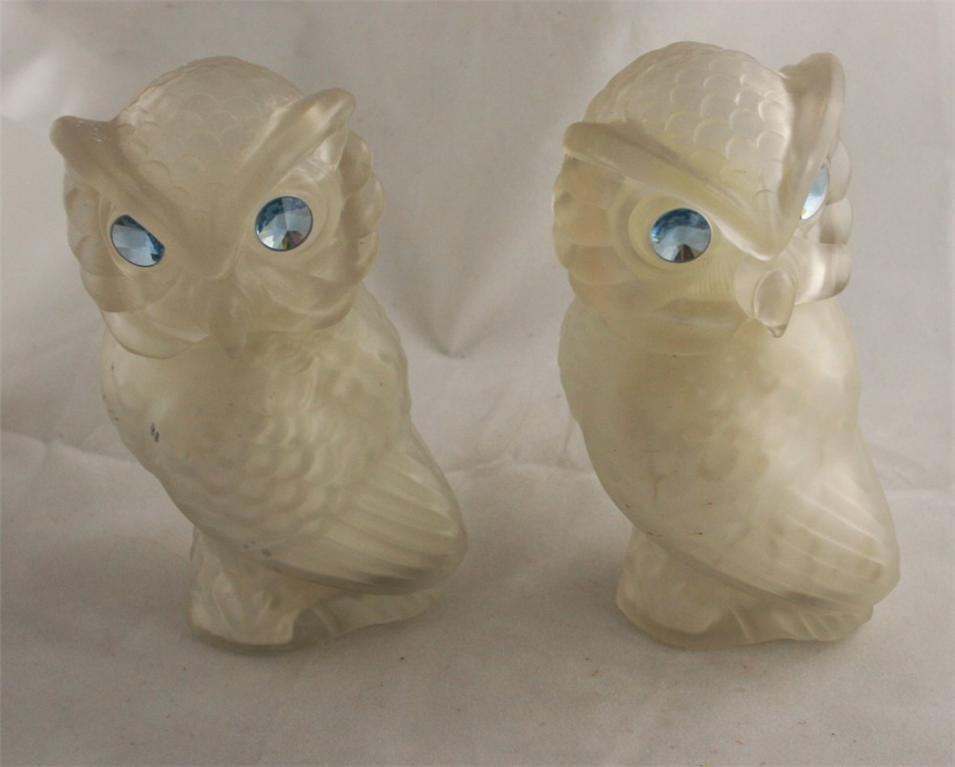 vintage bottle, Avon, Snow Owl, Moonwind, Sonnet, Talc, powder