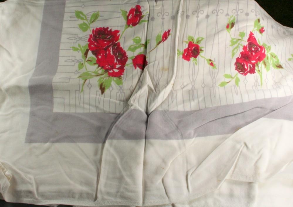 vintage fabric,tablecloth,rayon,midcentury,print