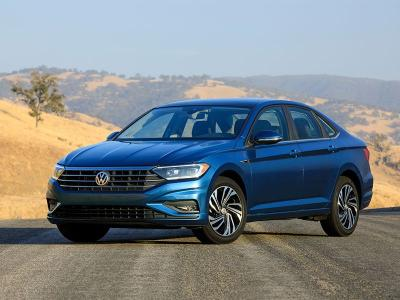 2019 Volkswagen Jetta SEL front angle 400 thb