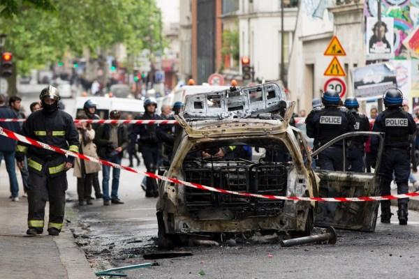 """Voiture de police brûlée: """"quand on veut tuer des ..."""