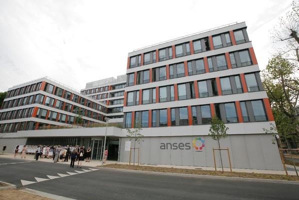 Le siège de l'Anses, l'Agence nationale de securité sanitaire de l'alimentation, de l'environnement et du travail à Maison-Alfort,le 7 juillet 2015 / AFP/Archives