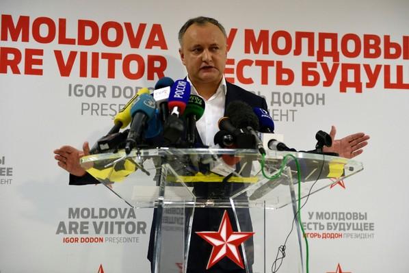 Le candidat prorusse à la présidentielle moldave Igor Dodon à Chisinau, le 13 novembre 2016 / AFP