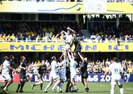 ASM Clermont Auvergne (in black) against Racing 92, who won ...