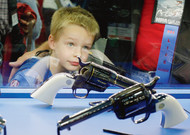 The pro-arms lobby of the NRA brings together many associations during its rasse ...