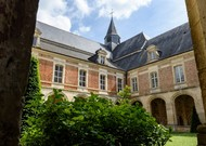 The abbey of Saint-Michel-en-Thiérache, in the Aisne, attracts many musicians ...