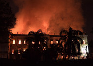 A fire ravages the National Museum of Rio de Janeiro, a cultural jewel of Brazil