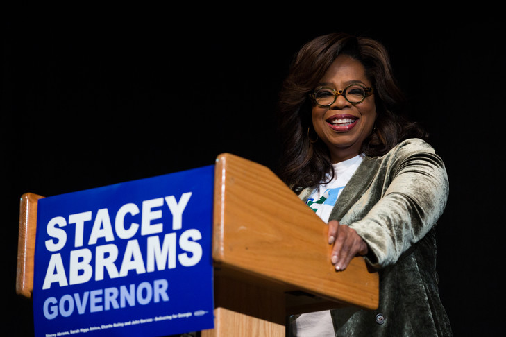 Famous presenter and businesswoman Oprah Winfrey at a Stacey Abrams meeting on November 1, 2018 in Georgia / GETTY IMAGES NORTH AMERICA / AFP / Archives