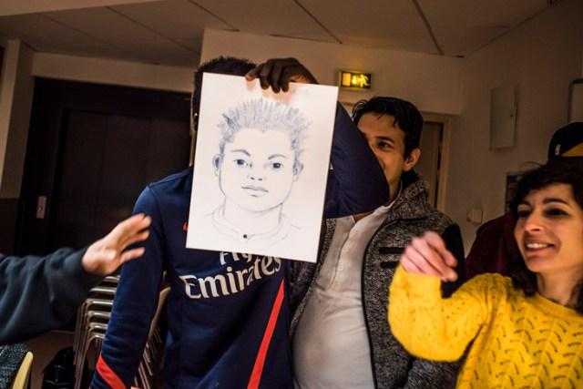 Le portrait d'unmineur isolé fait par une bénévole de la salle d'activité du centre Bernanos (Strasbourg)./Pascal Bastien pour la Croix