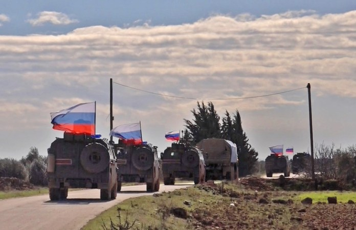 An image taken by AFP TV on January 17, 2019 shows Russian army military vehicles patrolling the region of Arimah (northwestern Syria) ./ AFP / Archives