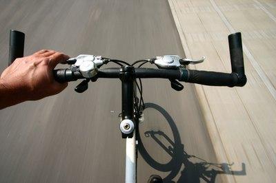 Comfort Bikes Vs. Hybrid Bikes | LIVESTRONG.COM