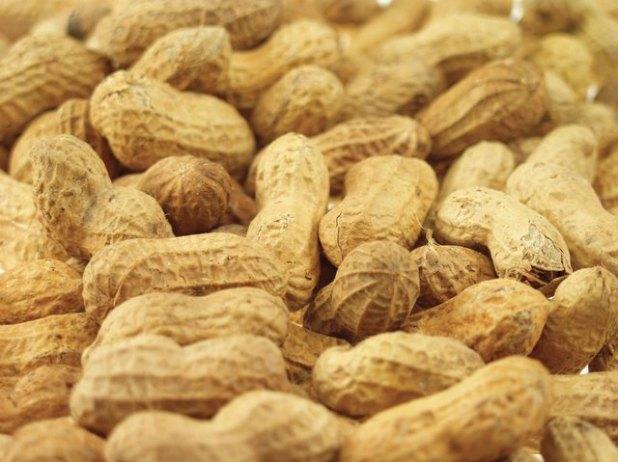 Shelled peanuts.