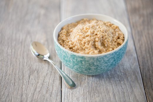 5. Peanut Butter Steel-Cut Oatmeal (215 calories)