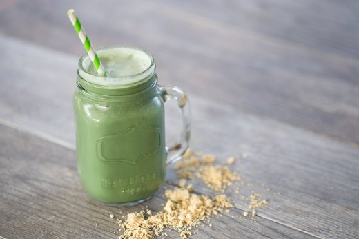 7. (PB&G) Peanut Butter and Green Smoothie (250-350 calories)