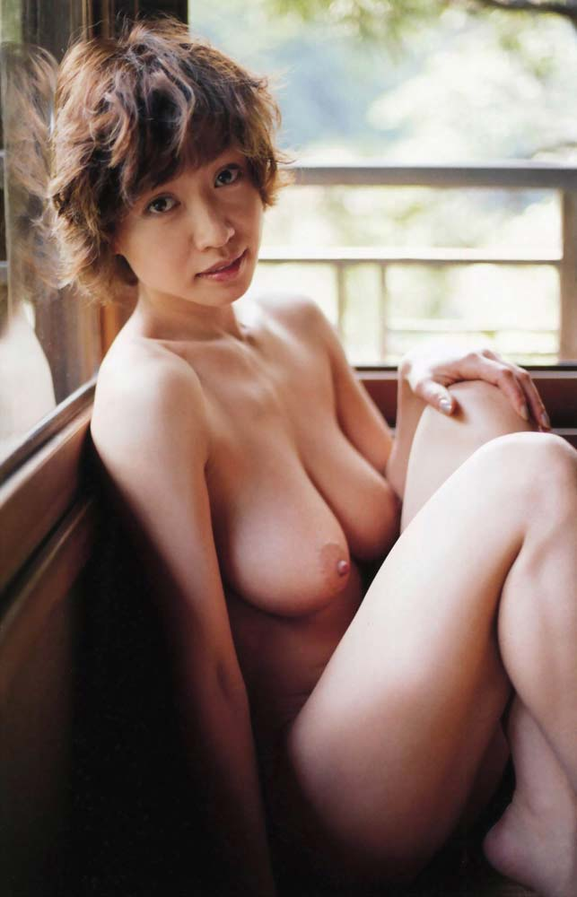YOUヌード YOU乳首+乳輪モロ生放送でポロリの放送事故画像!熟女っぽく ...