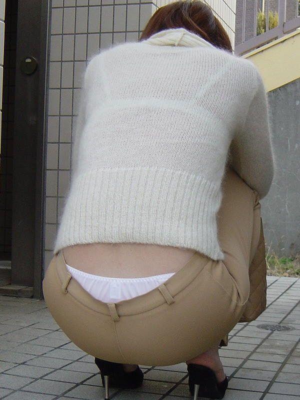 暑いからとはいえ透けすぎな服を着た女の子の画像13