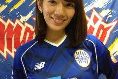 Jリーグのユニフォームを着た女の子の画像