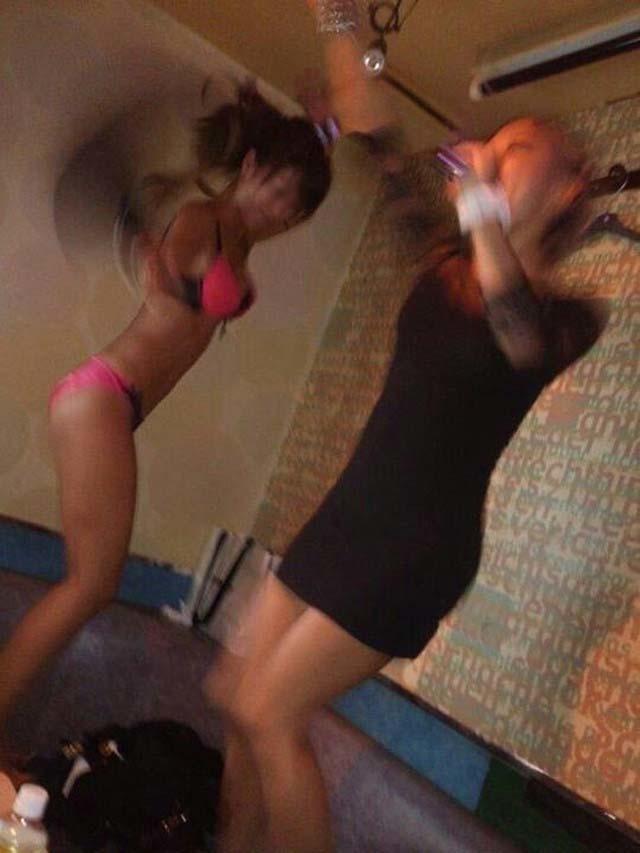 女子同士が酔った勢いで悪ノリして撮った画像がエロ過ぎw3