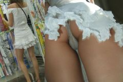 スカートの中を盗撮したら、ほぼすべてのオナゴがハミ毛している件Vol.3