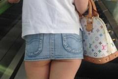 街で見かけてムラっときたミニスカ素人娘たちの生脚スナップショット