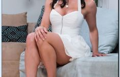 Beautifully Kendra Lust Kitchen That Breaks The Monotony