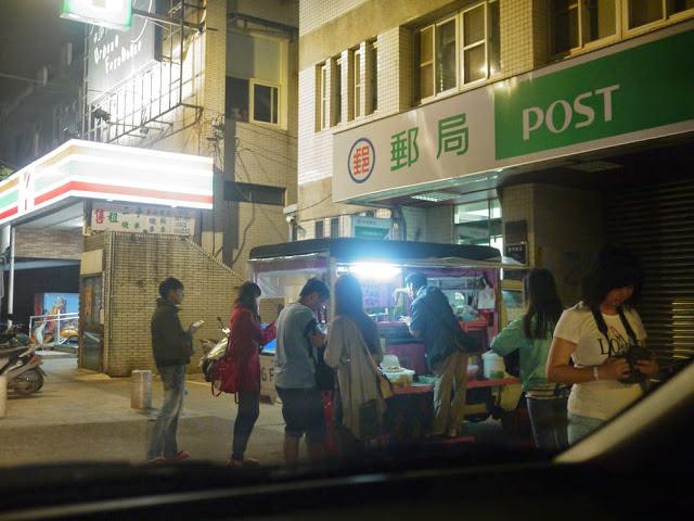 金門宵夜│金城鎮郵局前無名的發財車,臭豆腐真的好臭喔