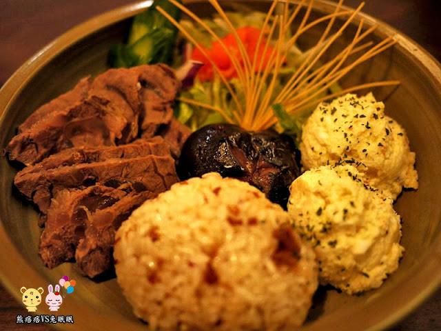 【台中西區餐廳】從一場試吃談昨日花卷的優缺