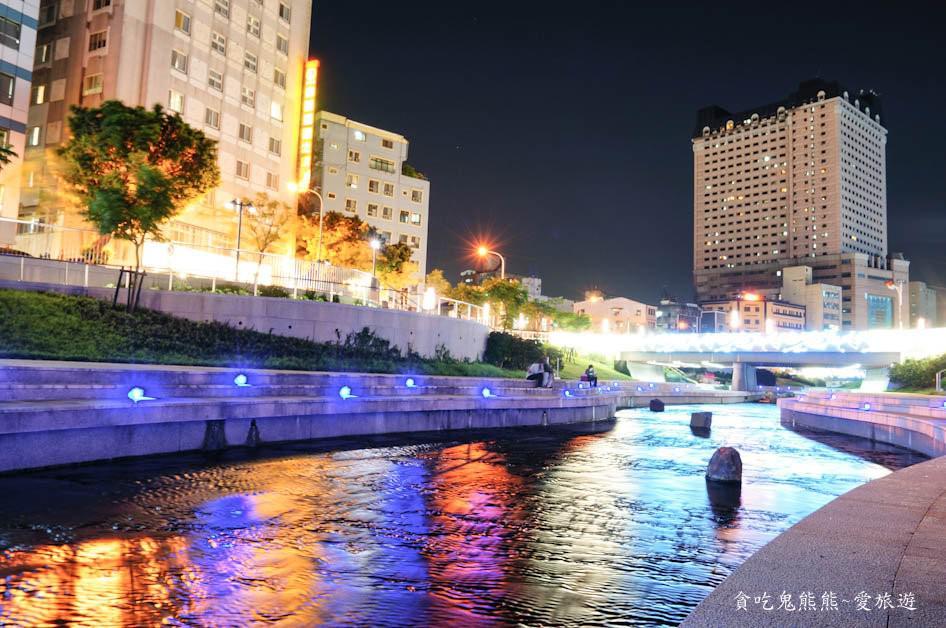 台中旅遊 柳川水岸-越夜越美豔動人~旅人們一起來散步去唄