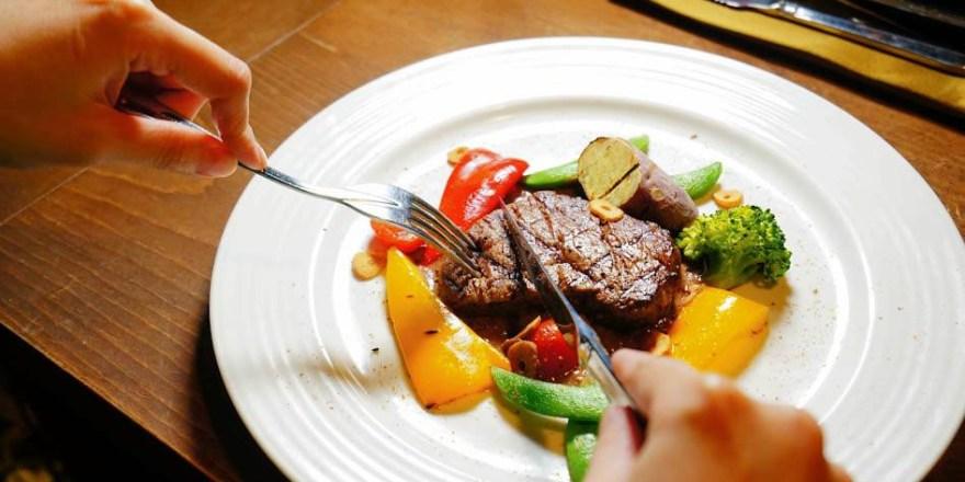 高雄美食 左營區/布登小鎮-多人聚餐首選-英式巴福歐陸餐點(已歇業)