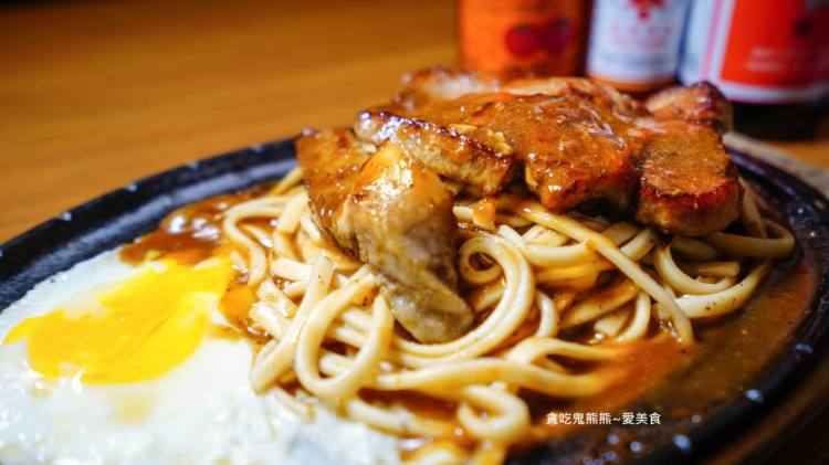 高雄牛排 三民區/秋庭牛排-特殊香辣醬鐵板厚片牛排,小心~辣呀