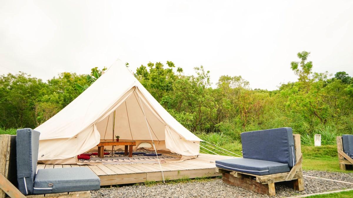 屏東潮州美食  粮田集市-在草地上搭著帳篷裡,我們聽著音樂享美食野餐去
