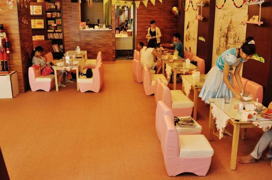 【台中】。旋轉木馬親子餐廳~寶貝的城堡樂園