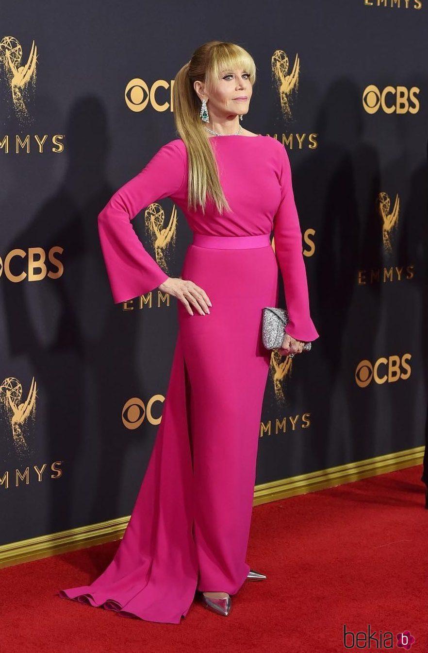 Jane Fonda En La Alfombra Roja De Los Premios Emmy 2017
