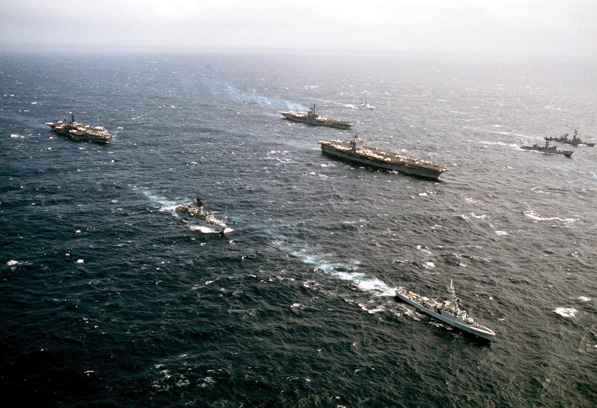 Cv Sea Uss Enterprise 43 41 65 Cv Uss Midway Cv Coral Uss