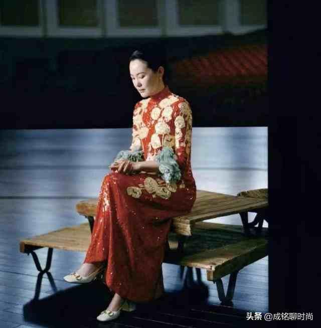 咏梅把高级感演绎到极致,知性优雅穿搭得体,气质温柔沉稳大气