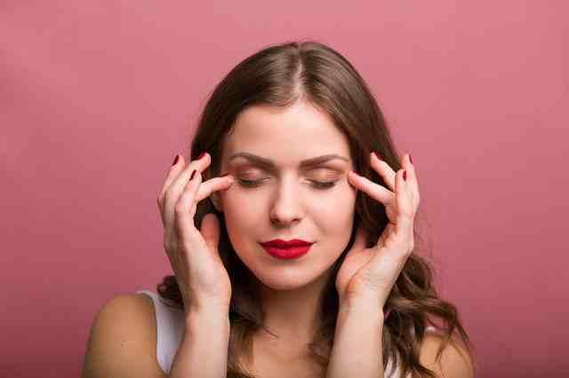 眼部护理的正确步骤