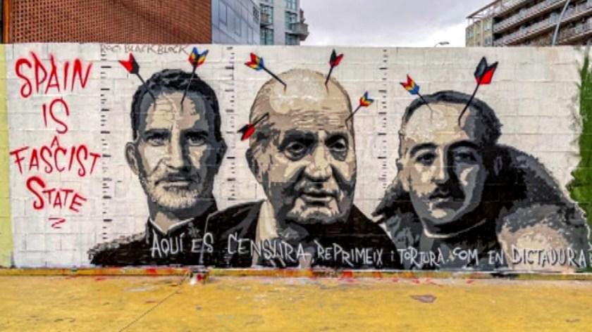 El rei emèrit, Franco i Felip VI, protagonistes del nou mural de Roc Blackblock
