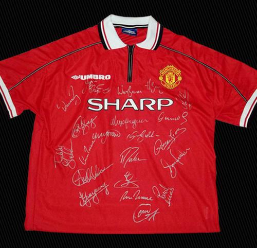 Soccer VERY RARE 1999 MANCHESTER UNITED TREBLE