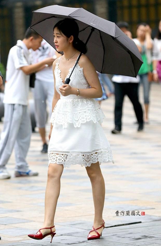 街拍:镂空魅惑加上甜美婉约的蕾丝美女 - 曹作兰 - 边行走,边艺术