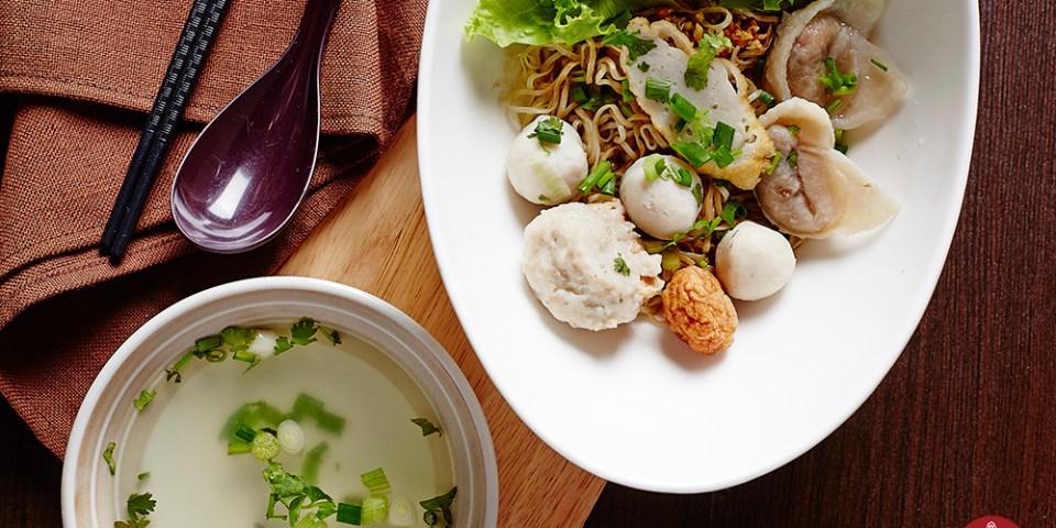 【2020米其林曼谷小吃】林老五魚丸麵LIMLAONGOW,不忘本家的八十年傳奇老店,銅板價帶你吃遍曼谷美食