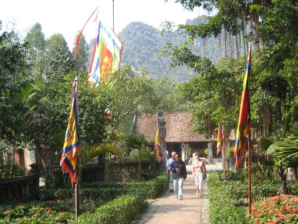 Hoa Lư - đền vua lê