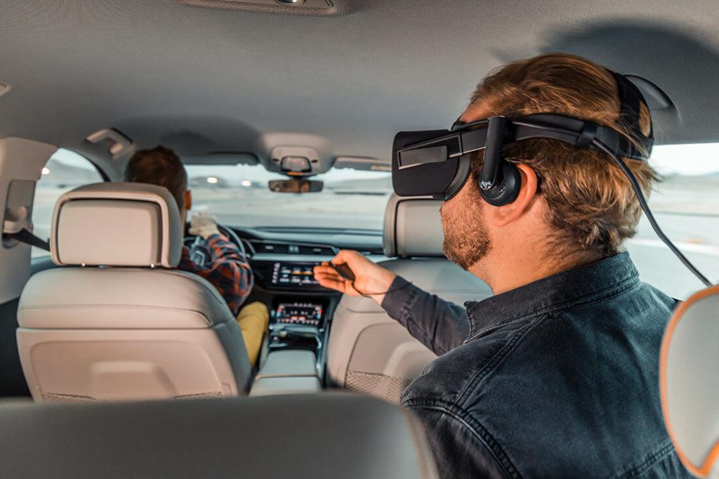 El software de Holoride para ligar viajes en coches autónomos y realidad virtual está aún en fase beta.