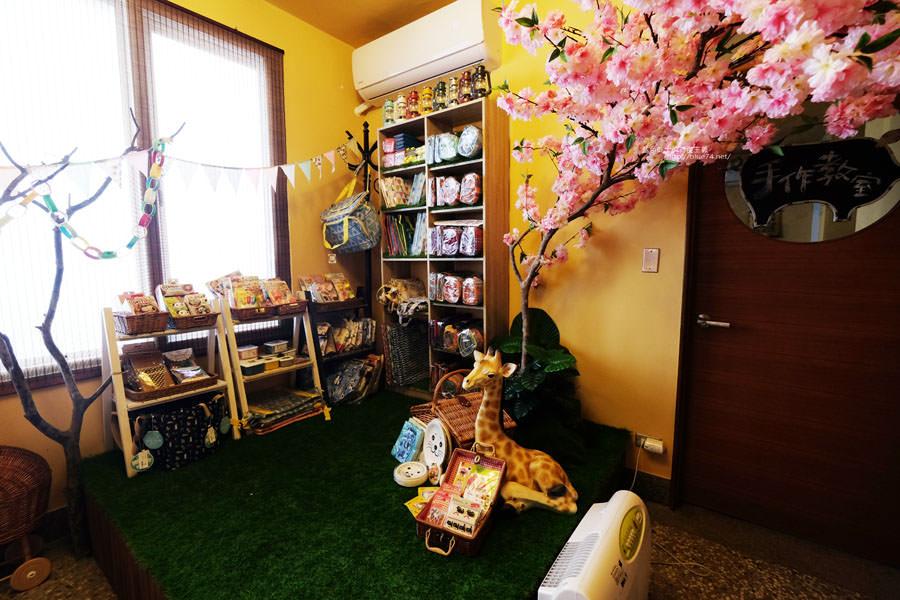 20170905025843 74 - 小毛日子雜貨店-在可愛動物森林療癒雜貨中喝咖啡.台中勤美誠品綠園道旁